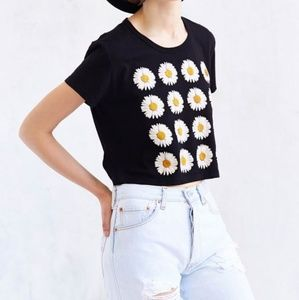 Truly Madly Deeply UO Daisy Print Crop Top